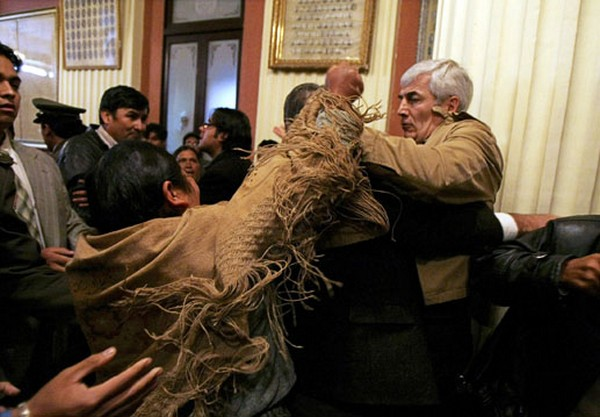 Bolivian opposition congressman  Rodriguez battles with an indigenous deputy of President Evo Morales party