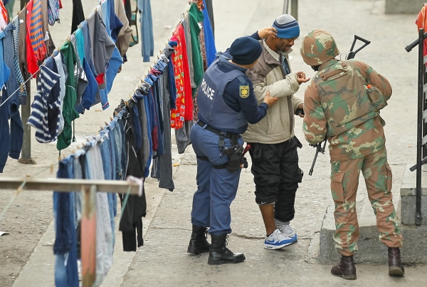 Police on anti crime operation in Manenberg. Photo courtesy SAPS