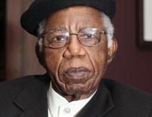 Chinua-Achebe2